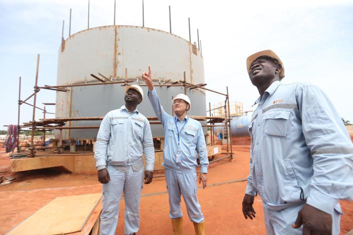 台灣中油在查德擔任礦區經營人與合作公司共同開發石油 皆由台灣中油主導且運作正常 第一船油計95萬桶預計12月初抵台